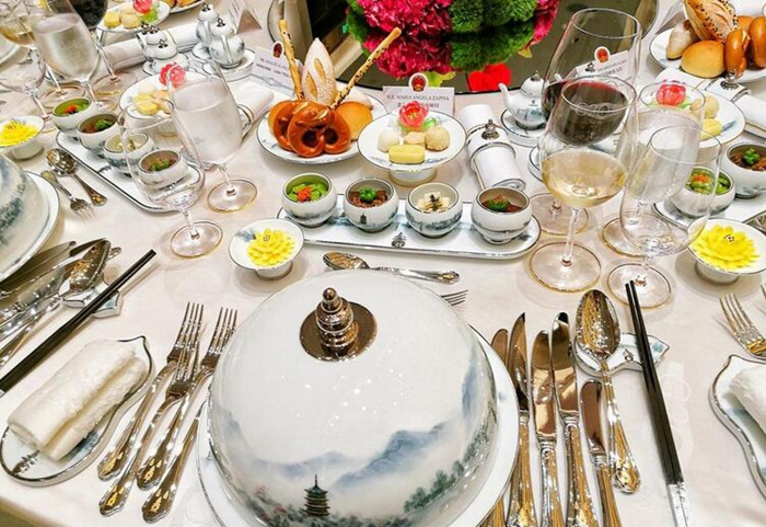 Dinnerware for official banquets during the G20 Summit