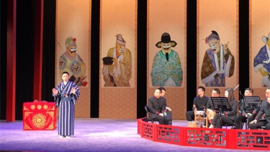 Peking opera sung in English enthralls young audience