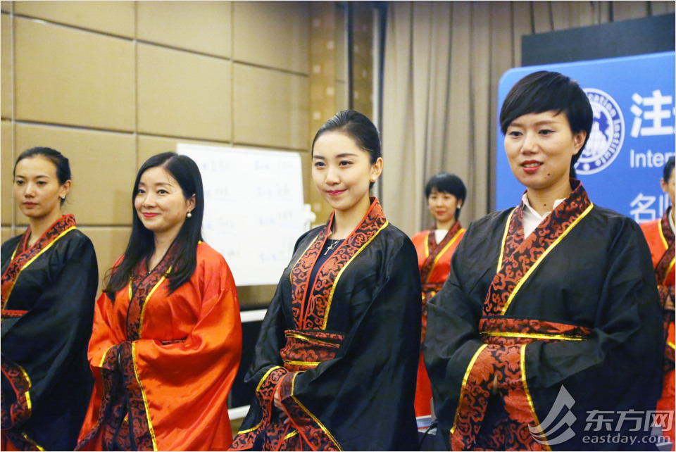 Etiquette training classes a hit in Shanghai