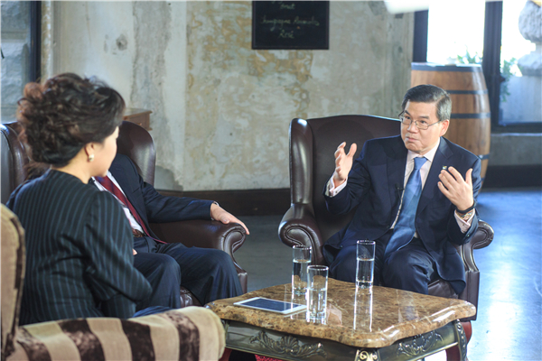 EY's China Chairman: Chinese companies more active in global