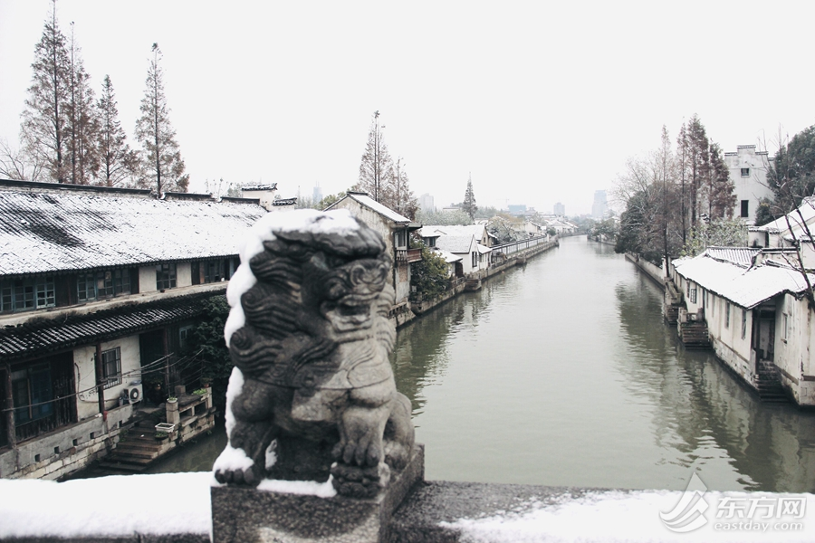 A Songjiang town in snow and tranquility