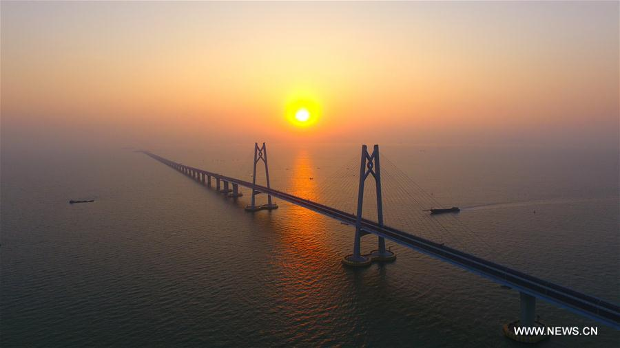 Major work of world's longest sea bridge comp